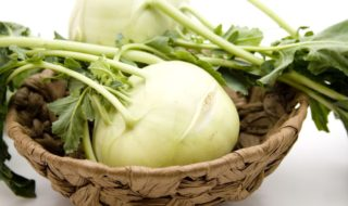 Kohlrabisalat Rezept - Kohlrabi Salat Zubereitung