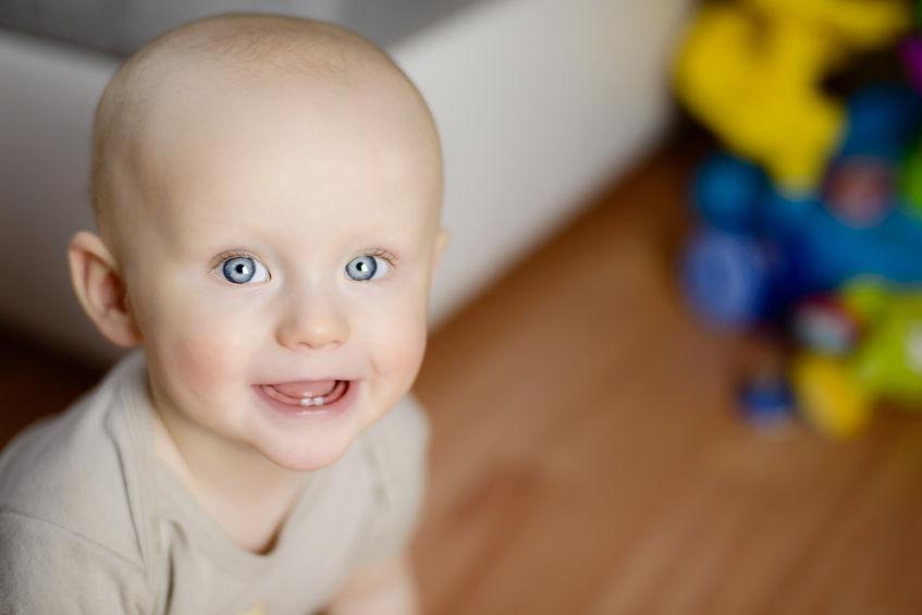 Der erste Zahn ist da: Wenn Babys Zahnen - socko