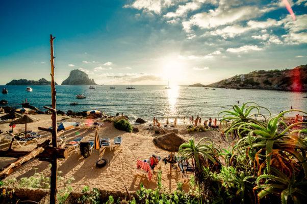 Urlaub auf Ibiza mit Kindern - Strand Cala d Hort