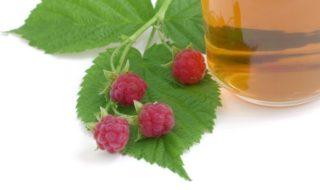 Wehenfördernder Tee und Himbeerblättertee als Hausmittel zur Geburtsvorbereitung