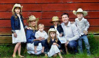 Patchwork-Family: Stief- und Patchworkfamilie mit vielen Kindern