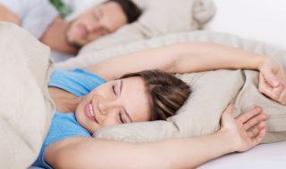 Bettenpflege und Bettenhygiene bei Kopfkissen, Daunenkissen, Bettdecke, Matratze, Matratzenbezug, Matratzenschoner, Daunenbett, Federbett um keine Milben im Bett zu haben