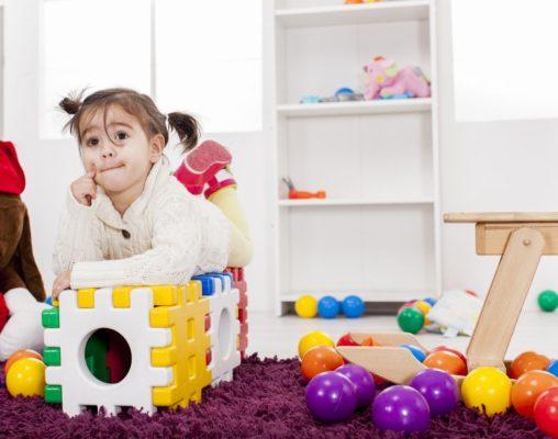 ordnung im kinderzimmer von klein auf lernen socko. Black Bedroom Furniture Sets. Home Design Ideas