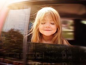 Spiele und Reisespiele fürs Auto bei langen Autofahrten mit Kindern