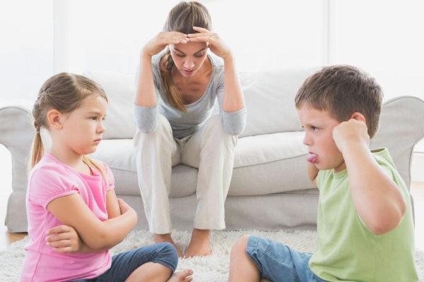Konflikte bei Kleinkindern und Gewalt im Kindergarten