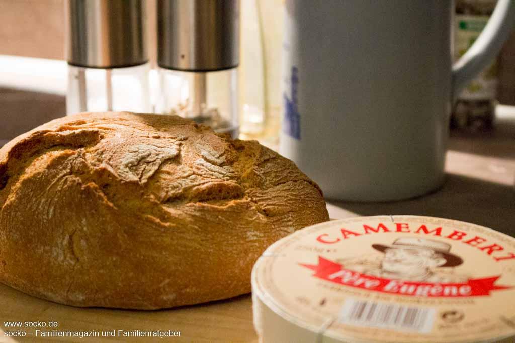 Käse-Brot mit Camembert