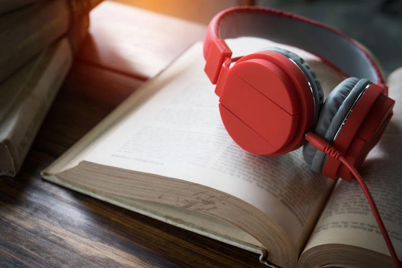 Hörspiele und Hörbücher