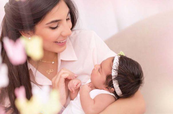 Baby richtig aufnehmen, halten und tragen