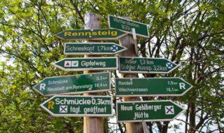 Ausflug mit Kindern Rennsteig im Thüringer Wald nahe des Feriendorf Auenland