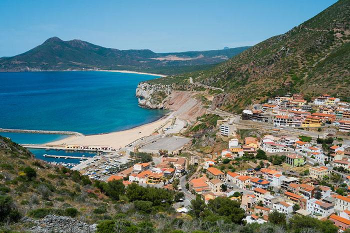 Kultur und Städte auf Sardinien