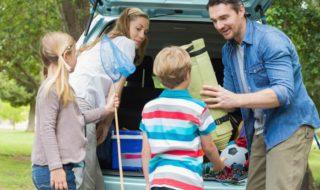 Familienausflug mit dem Auto