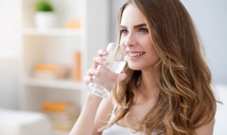 Gründe mehr Wasser trinken
